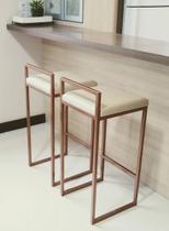 KIT 2 Banquetas Altas de Ferro com estofado - Cozinha bar bancada - Industrial - Arte & Decora