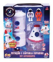 Kit Astronautas Estação E Capsula Espacial - Fun Divirta-se - Mga
