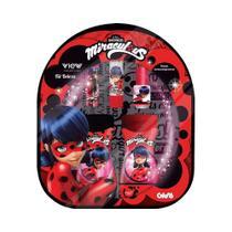 Kit Beleza Infantil Miraculous Ladybug View Cosméticos com 1 Mochila + 1 Batom + 1 Brilho Labial + 1 Esmalte + 1 Shampoo + 1 Condicionador -