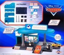 Kit Carros com Relâmpago Macqueen e Cruz Ramirez no Posto de Gasolina Dinoco - Toyng