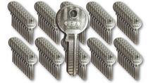 Kit com 100 chaves yale iza -