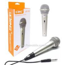 Kit com 2 Microfones Karaokê e Caixa de Som com fio de 2.5 metros LELONG -