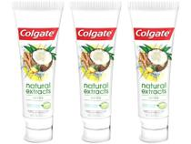 Kit com 3 Unidades de Creme Dental Colgate - Natural Extracts 90g Cada