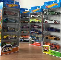 Kit Com 5 Carrinhos Hot Wheels Sortidos -