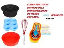 Kit Forma de Torta de Silicone, Cupcake, Bolo, Batedor de Ovos e Colher Medidora - Quality House