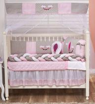 Kit Protetor de Berço Trança Menina Balão + Saia de Berço 11 Peças - Rosa Bebê e Cinza - Carinho Enxoval E Decoração