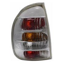 Lanterna Traseira Corsa Sedan 1995 a 1999 Esquerdo Inovox - Diversos