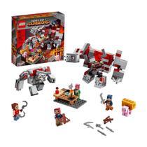 Lego Minecraft Dungeons O Combate de Redstone - 21163 - 504 Peças -