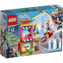 LEGO Super Heroes DC Harley Quinn Em Missao de Resgate 41231 -