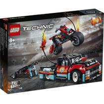 LEGO Technic Motocicleta e Caminhão de Acrobacias -