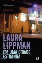 Livro - Em uma cidade estranha -