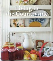 Livro - Living in the countryside -