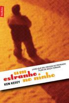 Livro - Um estranho no ninho (edição de bolso) -