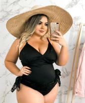 maiô plus size preto com saia de renda - Lucy Pinheiro Biquinis