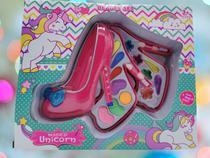 maleta infantil + kit maquiagens e itens de beleza - On Line