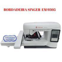 Maquina de bordados singer emb9305 aréa de trabalho 24 x 15 cm auto volt -