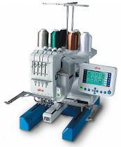 Máquina de Bordar Eletrônica, 4 Agulhas, 100 Bordados, Corte de Linha, 800ppm, 9900 - Elna