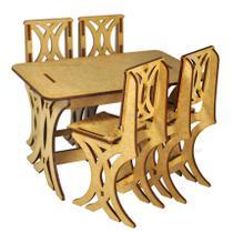 Mesa Com 4 Cadeiras Para Casa Da Barbie Laser Mdf Madeira - Atacadão Do Artesanato Mdf