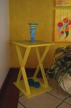 "Mesa ""X"" Lateral de Apoio Cabeceira ou Criado Mudo - Amarelo Laca - Formalivre"