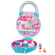 Mini Boneca Surpresa com Acessórios - Shopkins - Lil Secrets - Cadeado - Confeitaria de Cupcakes - DTC -