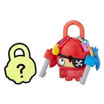Mini Figura - Cadeado Surpresa - Lock Stars - Pirata Vermelho - Hasbro -