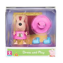 Mini Figura Peppa Pig com Roupinhas - Kylie Canguru com Roupa de Chuva - Sunny -