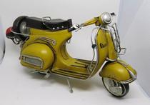 Miniatura Motocicleta Vespa Modelo 1959 Gs Yellow para Decoração - Vintage