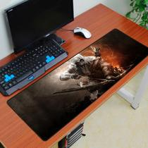 Mouse Pad Gamer Grande 70x35cm Antiderrapante Bordas Costuradas Estampa Assassino  Exbom MP-7035C-A