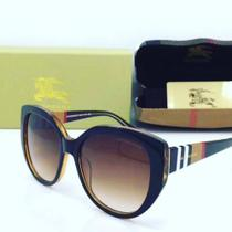 Óculos De Sol Burberry Gabardine Lace Collection Quadrado BE4207 300273 Marron 56mm -