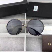 13a15ab00 oculos de sol gucci redondo preto dourado -