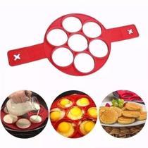 Panquequeira De Silicone Omelete E Waffle Flippin Fantastic - Quem Ver Compra