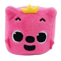 Pelúcia Musical Baby Shark - Pinkfong Cubo Rosa - Toyng 39258 -