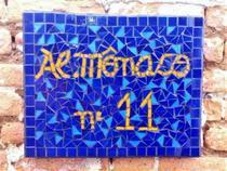 Placa em mosaico azul e amarelo 30 cm - Myo Atelier