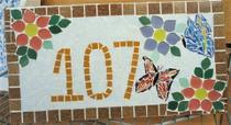 Placa numérica em mosaico flores coloridas 40 cm - Myo Atelier