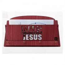 Porta chaves de parede mãos ensanguentadas de jesus em mdf - Armazem