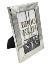 Porta retrato metal na cor prata 12 x 17 cm - Ailton Design