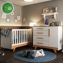 Quarto Bebê Completo com Berço Retro, Cômoda Retrô Lisa e Prateleira Ciello Móveis Branco/Carvalho - Moveis Peroba