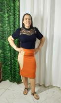 Saia Lapis Bruna na cor laranja com detalhes de areia nos tamanhos do 38 - Sei Bella Moda Feminina