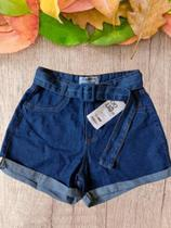 Shorts Jeans com Barra e cinto -