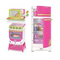 Super Kit De Cozinha Moranguita Com Fogao Microondas e Geladeira Magic Toys -
