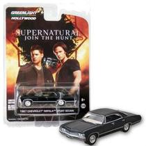 Supernatural 1967 Chevrolet Impala Preto Greenlight 44692 1:64