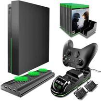Suporte Base Vertical Com Cooler 2 Baterias Dock Xbox One X - Oivo