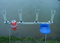 Suporte de chão para varas de pesca desmontável 04 varas com porta lata - Riomar