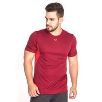 T Shirt Esportiva Tecido Poliéster Lisa BM9 Modelo Recortes Bordô Masculina Academia Movimentação -