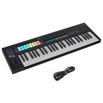 Teclado Controlador Novation Launchkey 49 MK3 MIDI 49 Teclas -