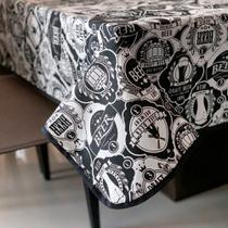 Toalha de Mesa em Gorgurinho Boteco Preto e Branco -