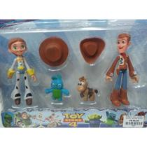 Toy Story 4 - Com 4 personagens + acessórios (4909) - Não Informada