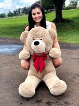 Urso Gigante Pelúcia Grande Teddy 1,10 Metros - Avelã com Laço Vermelho - Luckbaby