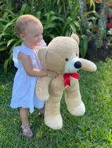 Urso Gigante Pelúcia Grande Teddy 65 Cm - Doce de Leite com Laço Vermelho - Luckbaby