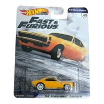Veículo Hot Wheels - 1:64 - Fast  Furious - Premium - 1967 Chevy Camaro - Mattel